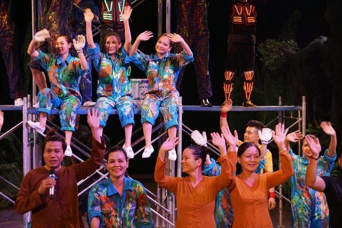 Mãn nhãn với Mekong show tại nhà bạt xiếc Gia Định - Ảnh 4.