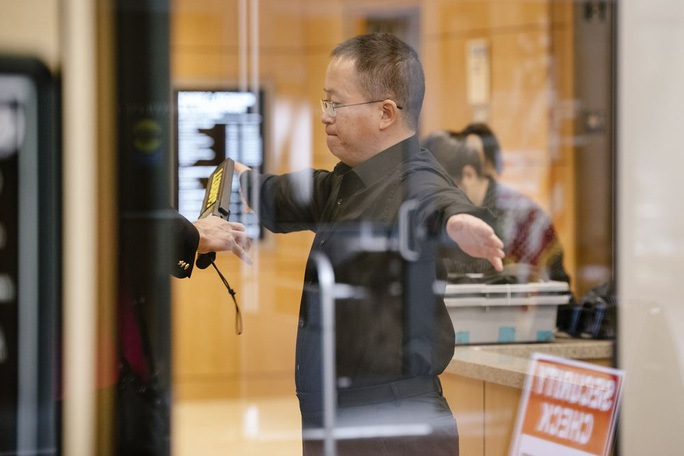 Mỹ mở phiên xử trực tiếp bất thường với giáo sư Trung Quốc - Ảnh 2.
