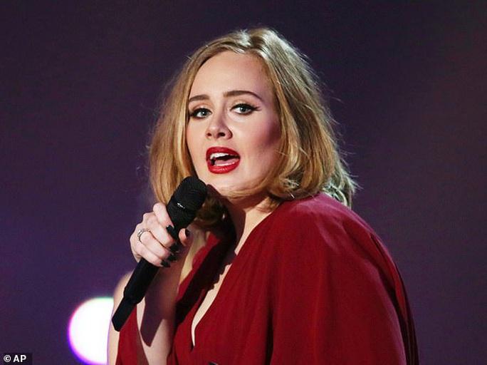 """""""Họa mi"""" Adele xác nhận hoãn album vì Covid-19 - Ảnh 2."""