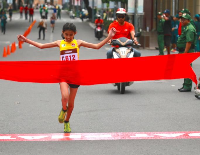 Quận 1 vô địch Giải Việt dã truyền thống TP HCM 2020 - Ảnh 9.
