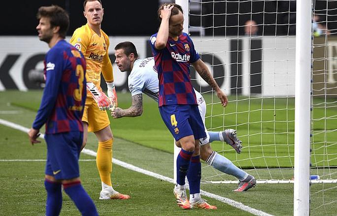 Luis Suarez lập đại công, Barcelona sụp đổ ở Balaidos - Ảnh 4.