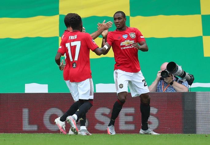 Người hùng giấu mặt tỏa sáng, Man United đoạt vé bán kết FA Cup - Ảnh 3.