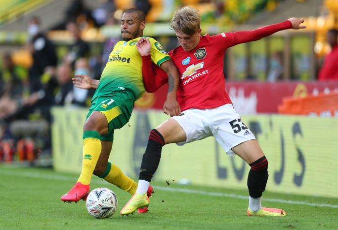 Người hùng giấu mặt tỏa sáng, Man United đoạt vé bán kết FA Cup - Ảnh 2.