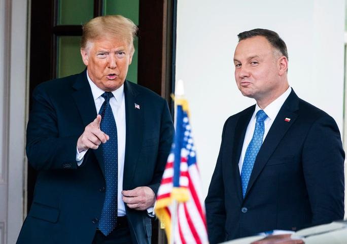 """Châu Âu """"nín thở"""" chờ bầu cử Ba Lan - Ảnh 2."""