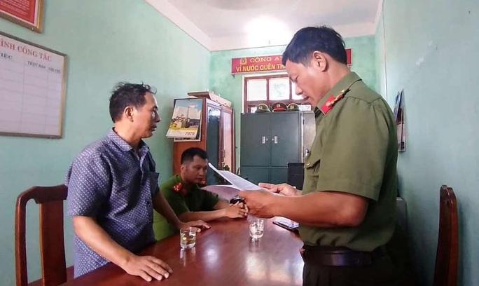 Quảng Bình: Tung tin thất thiệt trên Facecbook, 2 người đàn ông bị xử phạt 12,5 triệu đồng - Ảnh 1.