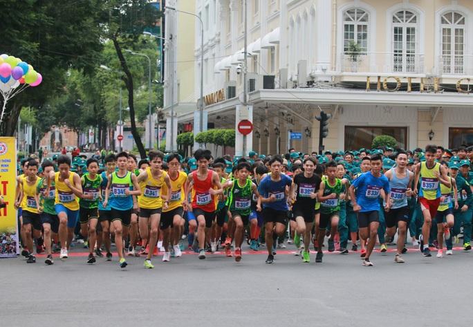 Quận 1 vô địch Giải Việt dã truyền thống TP HCM 2020 - Ảnh 2.