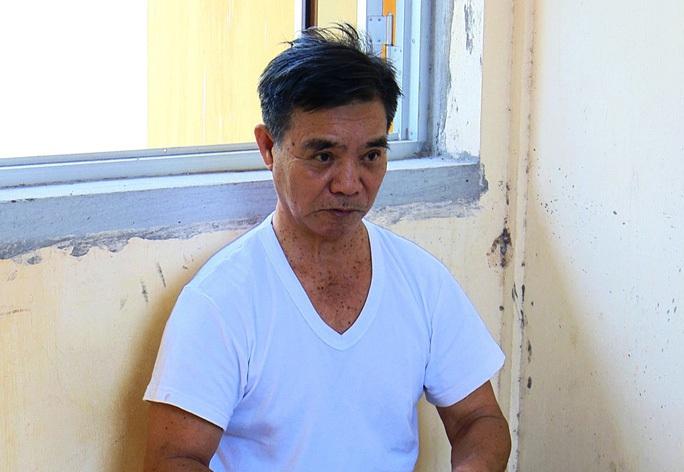 Khởi tố cụ ông 75 tuổi dùng dao chém vợ hờ lúc đang ngủ - Ảnh 1.
