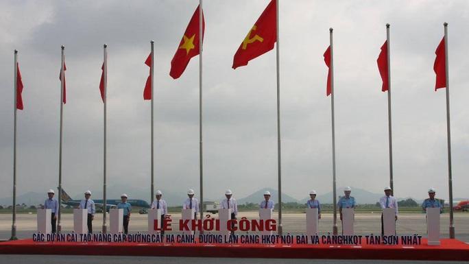 Hơn 4.000 tỉ đồng nâng cấp đường băng sân bay Nội Bài, Tân Sơn Nhất - Ảnh 1.