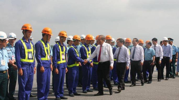 Hơn 4.000 tỉ đồng nâng cấp đường băng sân bay Nội Bài, Tân Sơn Nhất - Ảnh 3.