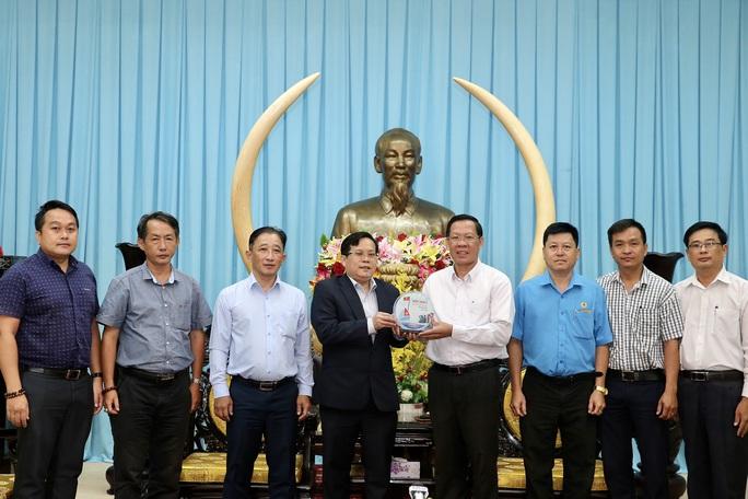 Bến Tre và Báo Người Lao Động sẽ hợp tác trên nhiều lĩnh vực - Ảnh 2.
