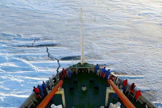 Mỹ muốn lấy lòng NATO để chặn Trung Quốc tại Bắc Cực? - Ảnh 1.