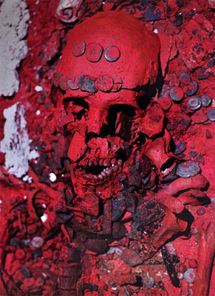 Ma dược trong mộ cổ Nữ Hoàng Đỏ khiến người Maya biến mất? - Ảnh 2.