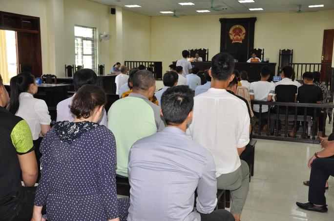 Cựu Phó giám đốc Sở VH-TT-DL Thanh Hóa và thuộc cấp hầu tòa vì gây thất thoát 1,3 tỉ đồng - Ảnh 2.