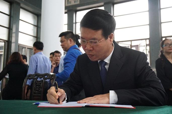 Chủ tịch Quốc hội, Thủ tướng Chính phủ viếng ông Vũ Mão - Ảnh 15.