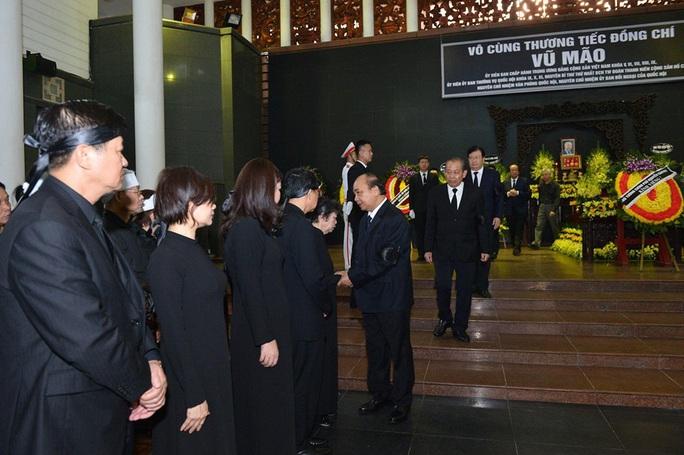 Chủ tịch Quốc hội, Thủ tướng Chính phủ viếng ông Vũ Mão - Ảnh 7.