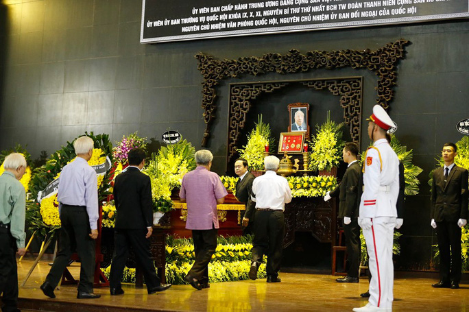 Chủ tịch Quốc hội, Thủ tướng Chính phủ viếng ông Vũ Mão - Ảnh 10.