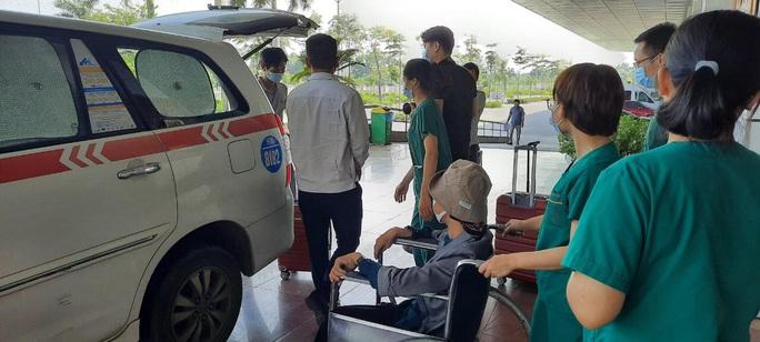 Bệnh nhân Covid-19 nặng nhất miền Bắc được xuất viện về nhà ở TP HCM - Ảnh 11.