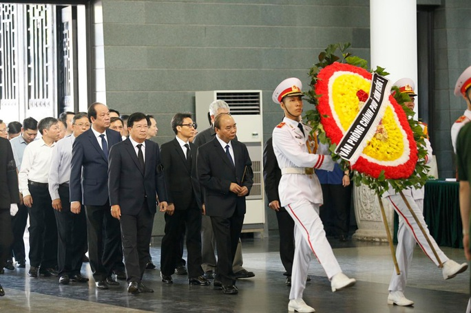 Chủ tịch Quốc hội, Thủ tướng Chính phủ viếng ông Vũ Mão - Ảnh 5.
