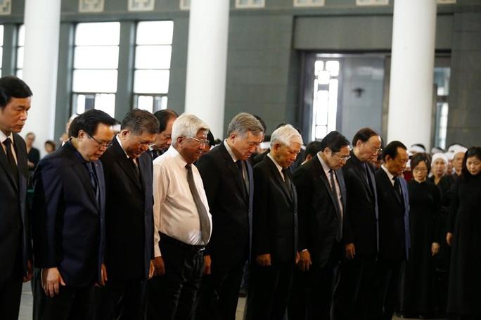 Chủ tịch Quốc hội, Thủ tướng Chính phủ viếng ông Vũ Mão - Ảnh 11.