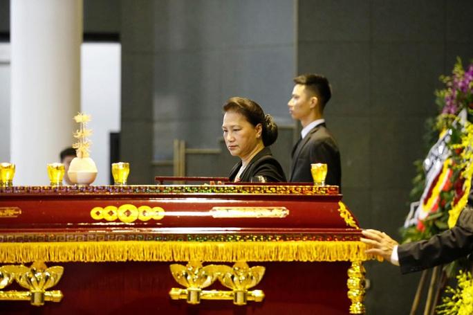 Chủ tịch Quốc hội, Thủ tướng Chính phủ viếng ông Vũ Mão - Ảnh 4.
