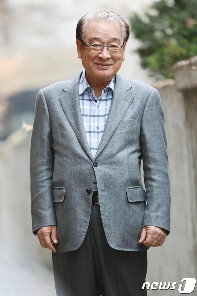 Ông nội quốc dân Hàn Quốc lên tiếng việc bắt quản lý đi đổ rác - Ảnh 2.