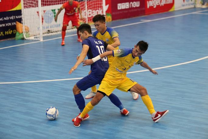 Đánh bại chủ nhà, Thái Sơn Nam giành ngôi đầu bảng VCK Futsal HDBank VĐQG 2020 - Ảnh 1.
