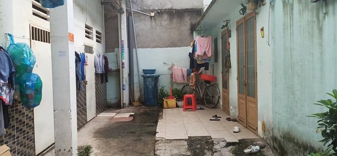 Diễn biến nóng vụ bé gái bị bạo hành ở quận Tân Phú - Ảnh 1.