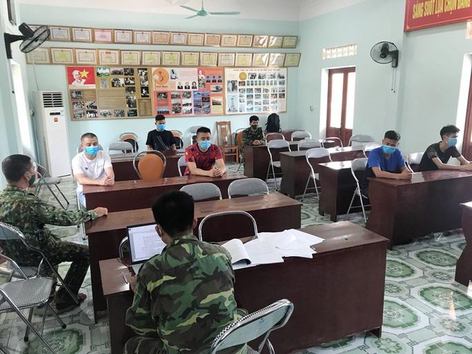 Ba đối tượng người Trung Quốc vượt biên trái phép vào Việt Nam - Ảnh 1.