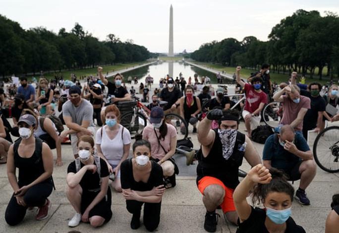 Mỹ đối mặt nguy cơ sóng thần biểu tình - Ảnh 1.