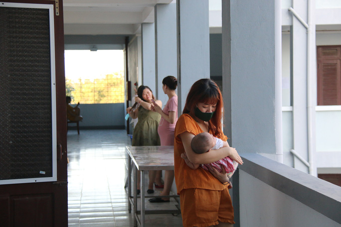 Quảng Nam tiếp tục tiếp nhận 99 bà bầu về từ Nhật Bản - Ảnh 1.