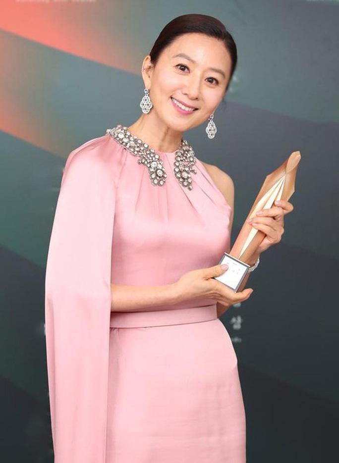 Sao nữ phim ngoại tình 19+ thắng giải Baeksang 2020 - Ảnh 1.