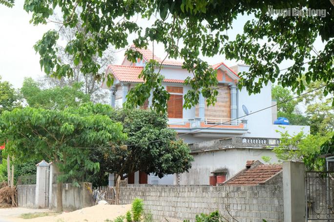 Bất ngờ với những ngôi nhà của hộ cận nghèo ở xã có 712 hộ cận nghèo - Ảnh 6.