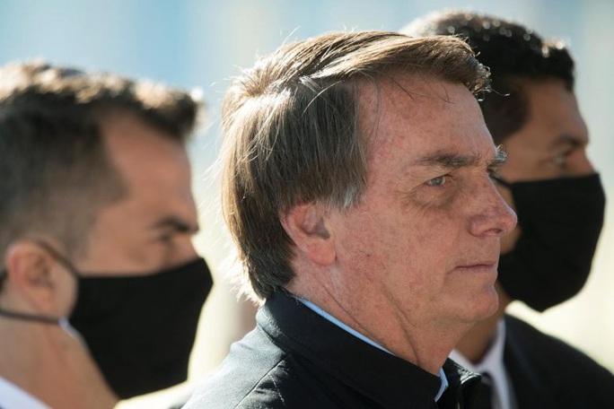 Brazil: Mỗi phút có 1 người chết vì Covid-19, tổng thống trút giận lên WHO - Ảnh 1.