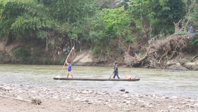Rủ nhau ra sông câu cá, 2 học sinh lớp 2 đuối nước thương tâm - Ảnh 1.