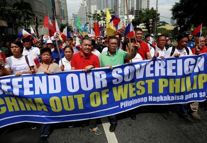 Philippines tính toán lại chiến lược đối phó Trung Quốc trên biển Đông - Ảnh 2.