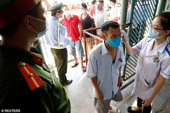 Truyền thông châu Âu ngỡ ngàng với sự trở lại của bóng đá Việt - Ảnh 4.