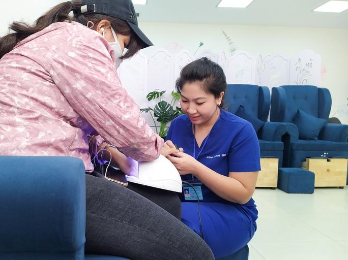 Khu điều trị 5 sao của Bệnh viện Hùng Vương có gì? - Ảnh 6.