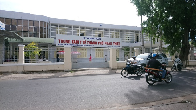 Nhiều lãnh đạo Bệnh viện Phan Thiết liên quan vụ án tham ô hơn 5,4 tỉ đồng - Ảnh 1.