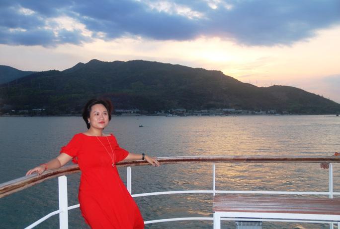Trải nghiệm thú vị ngắm hoàng hôn trên vịnh Nha Trang  - Ảnh 5.
