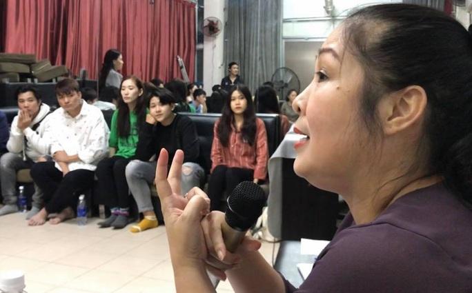 NSND Hồng Vân chuẩn bị kỹ nhân lực cho 2 sân khấu kịch - Ảnh 1.
