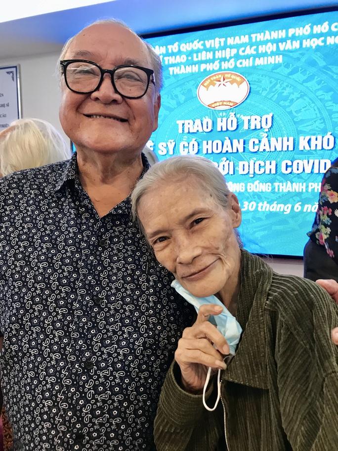 NSƯT Thanh Nguyệt xúc động nhận quà hỗ trợ dịch bệnh Covid-19 - Ảnh 8.