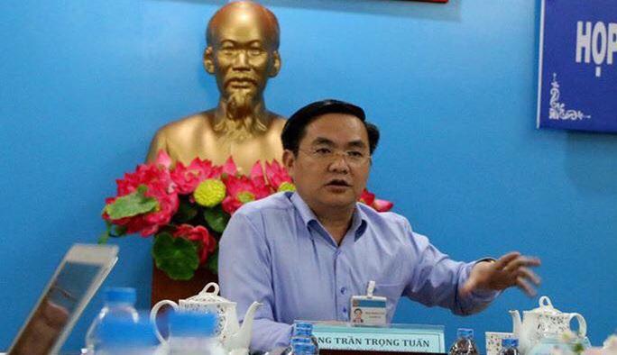 Tạm đình chỉ tư cách đại biểu HĐND TP HCM đối với ông Trần Vĩnh Tuyến và ông Trần Trọng Tuấn - Ảnh 2.