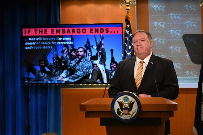 Nga: Mỹ muốn chèn gối lên cổ Iran - Ảnh 1.
