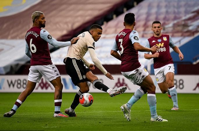 Trọng tài tặng phạt đền, Man United lập kỷ lục Ngoại hạng Anh - Ảnh 5.