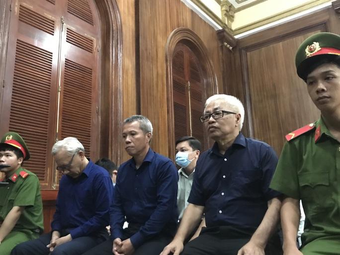 Diễn biến bất ngờ trong ngày tuyên án ông Trần Phương Bình - Ảnh 1.
