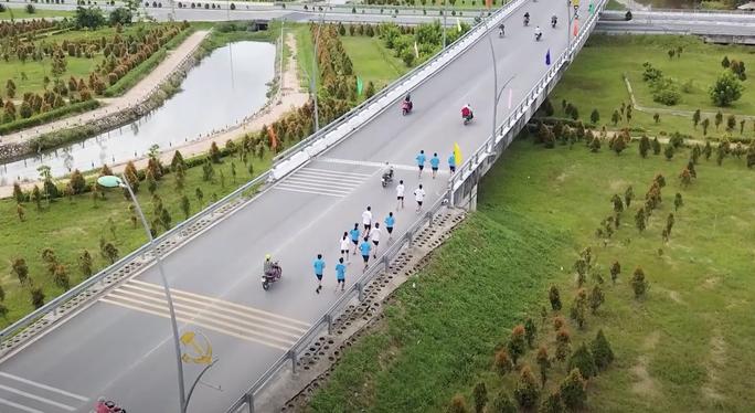 Hấp dẫn, thú vị đường chạy Mekong Delta Marathon 2020 - Ảnh 2.