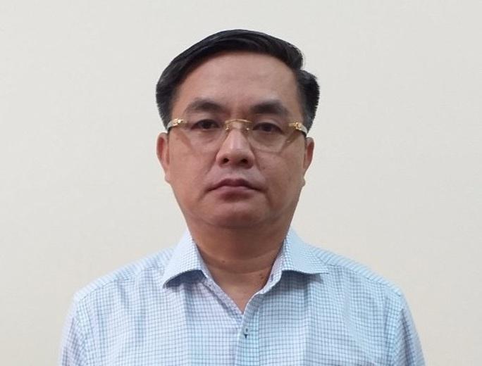 Vì sao Phó chủ tịch UBND TP Trần Vĩnh Tuyến cùng 4 thuộc cấp bị khởi tố? - Ảnh 2.