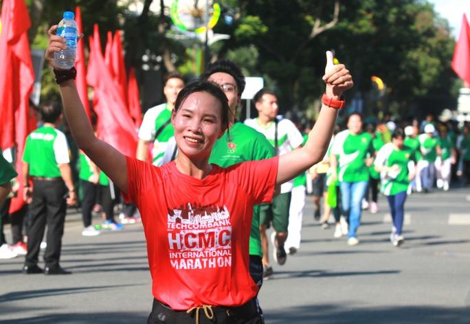 Rộn ràng ngày chạy Olympic TP HCM 2020, 8.000 người xuống phố - Ảnh 17.