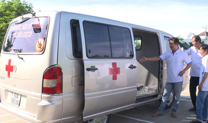 Góp tiền mua xe cứu thương - Ảnh 1.