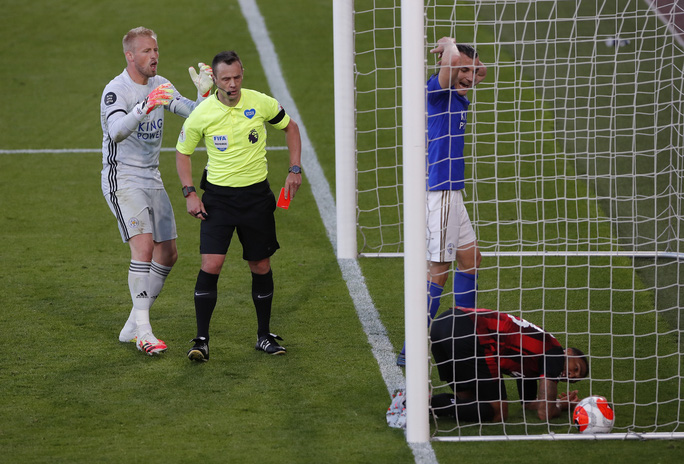 Leicester thua ngỡ ngàng Bournemouth, Man United được tiếp sức vào Top 3 - Ảnh 5.